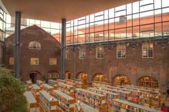 図書館(スウェーデン王立工科大学の図書館)