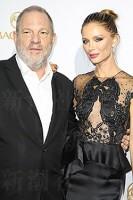 妻は女優のジョルジーナ・チャップマン