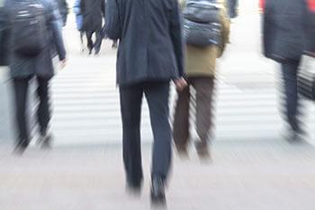 「人ごみが歩けなくなってしまった」(写真はイメージ)