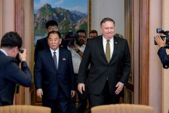 米朝首脳会談「1カ月」の検証(3)眠れないほどの「ミッション:インポッシブル」