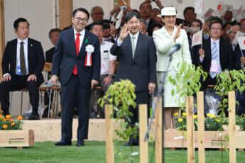 新天皇皇后植樹祭