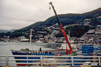 対馬の漁港(Wikimedia Commonsより)