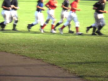 少年野球「背が低い」「早生まれ」の選手は本当に不利なのか