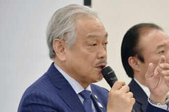 尾崎治夫会長