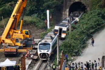 重大鉄道事故で浮上した台湾鉄道網の構造的欠陥