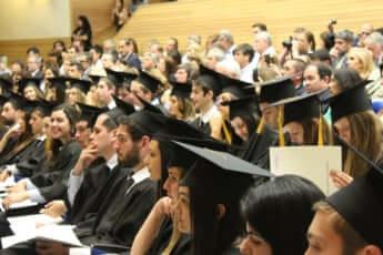 独裁と「経営不在」の歪んだ聖域大学法人にメスは入るか